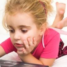 girl_on_computer